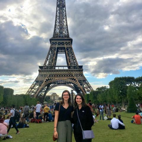 IES minors Sophie Partington '21 and Laura DeMassa '21 at Eiffel tower
